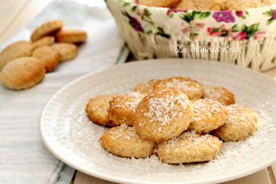 Biscotti al cocco senza uova e lattosio