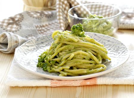 Spaghetti con broccoli cremosi, senza panna