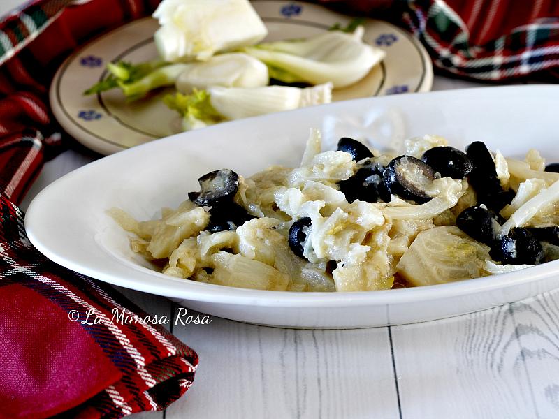 Finocchi con olive, cipolle e panna