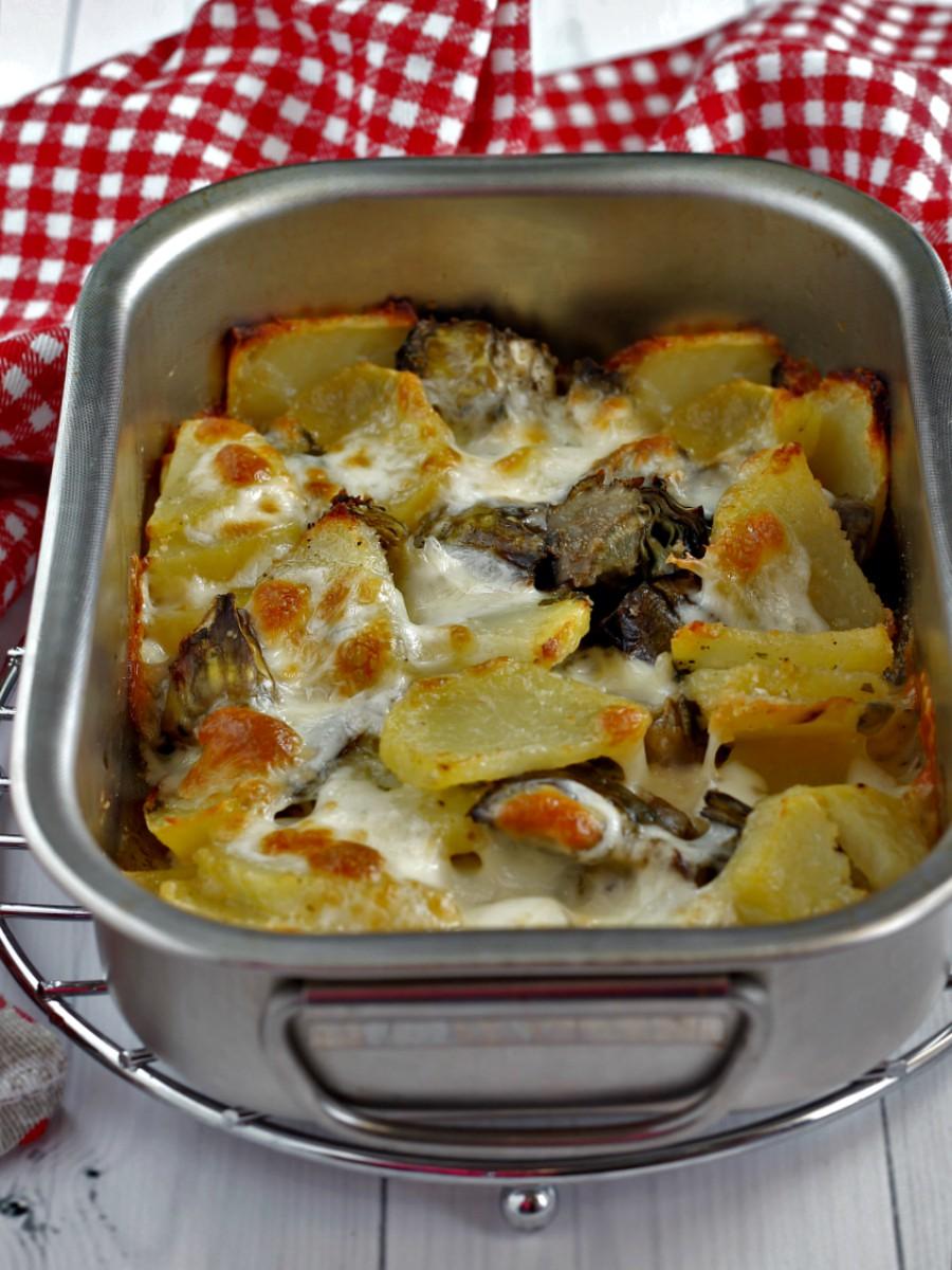 Pasticcio di patate e carciofi al forno ricetta