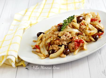 Finocchi in padella con tonno, capperi e olive