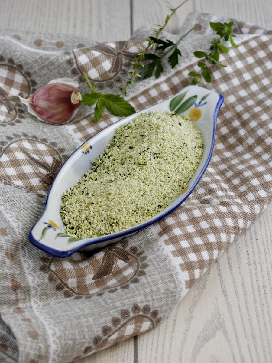 Pangrattato aromatizzato per gratinature e panature ricetta