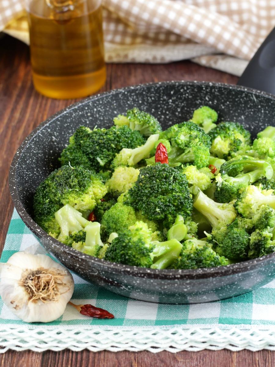 Broccoli in padella alla romana ricetta