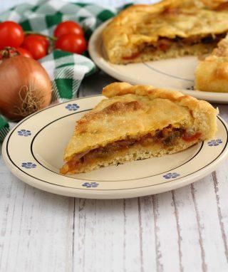 Focaccia con le cipolle e pomodorini ricetta.