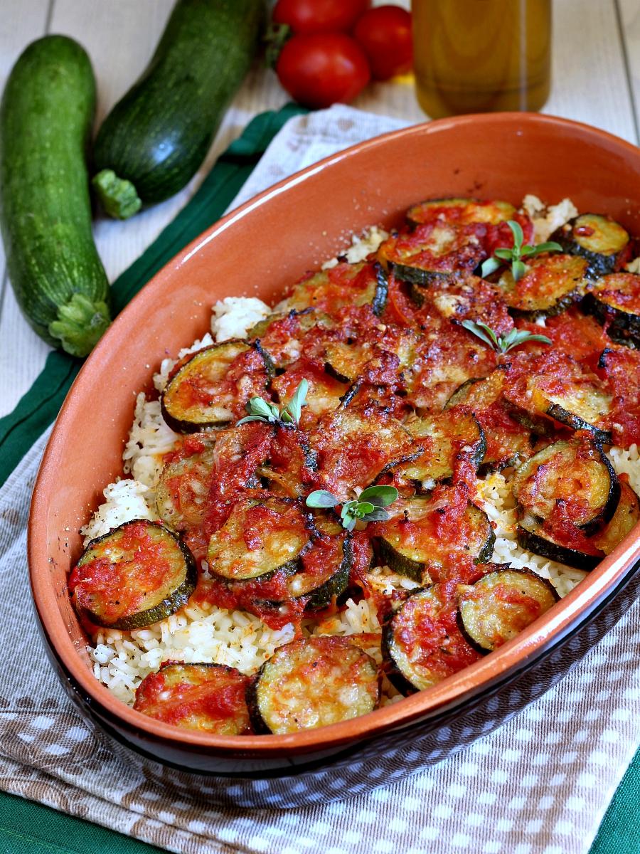 Zucchine e riso al forno gratinati ricetta