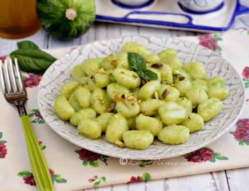 Gnocchi al pesto di zucchine e pistacchi