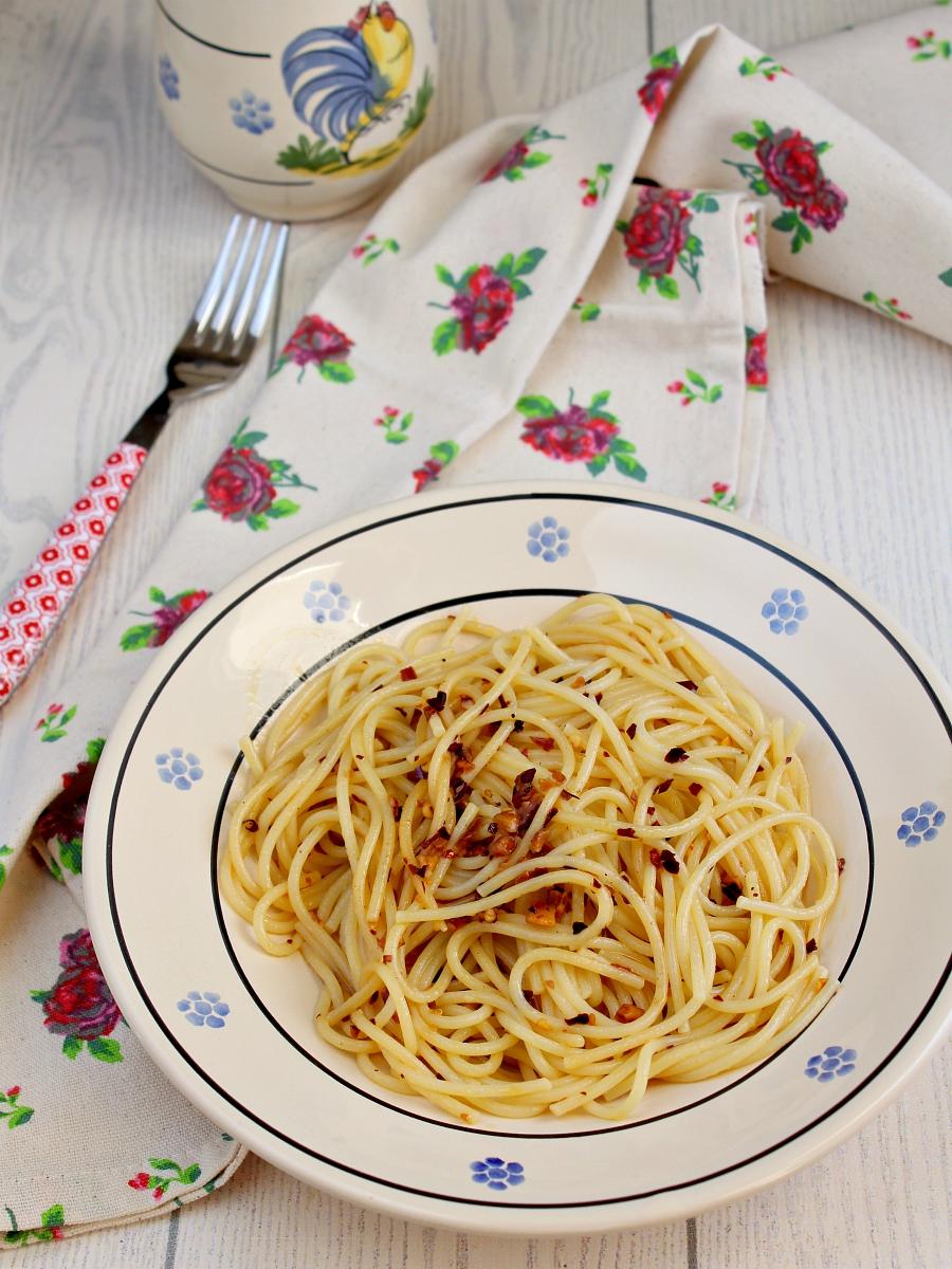 Spaghetti aglio olio e peperoncino ricetta