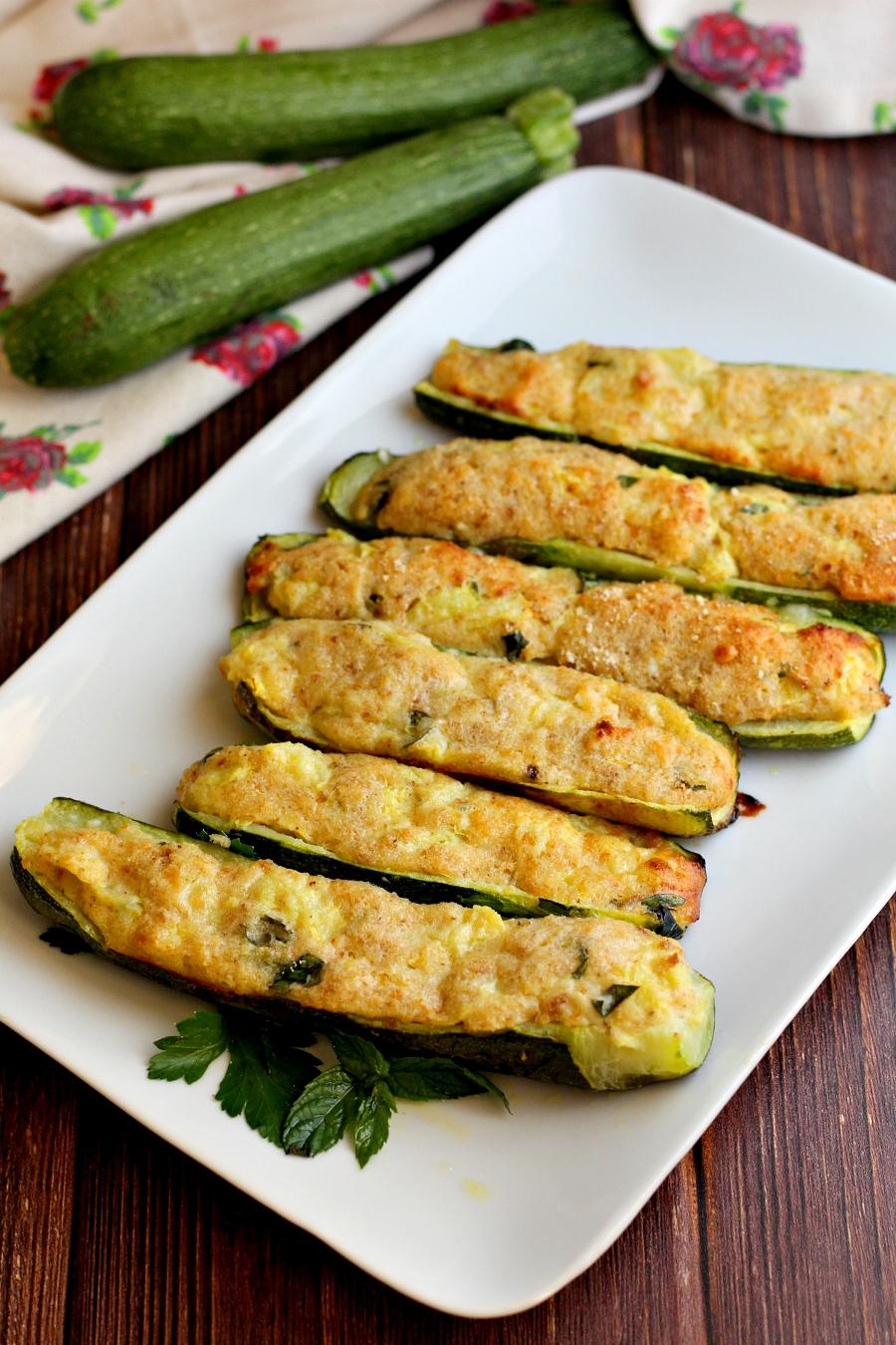 Ricetta Zucchine Ripiene Con Tonno.Zucchine Ripiene Di Tonno Con Capperi Ricetta Facile