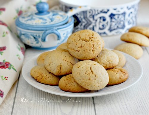 Biscotti con farina di mandorle e yogurt greco