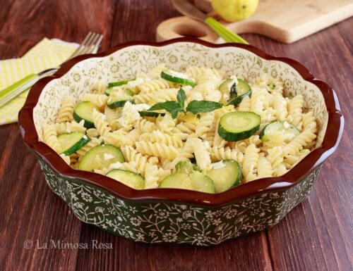 Pasta fredda con zucchine e menta