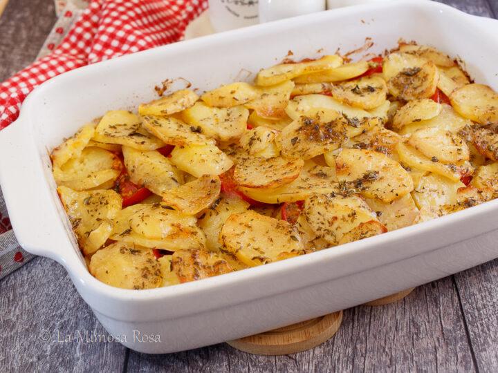 Patate e pomodori al forno alla pugliese