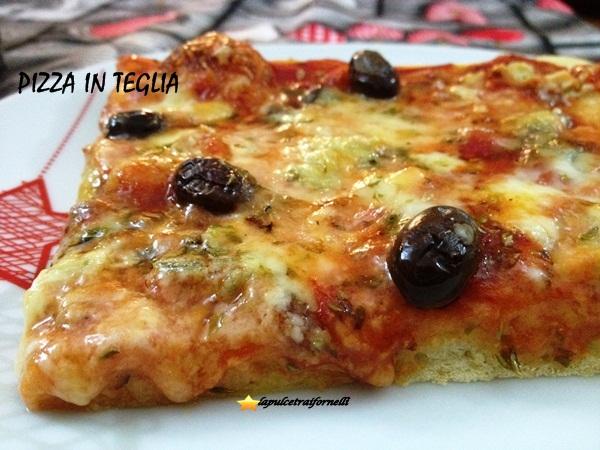 La pizza in teglia della Pulce