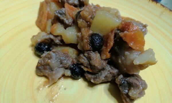 Spezzatino di vitello alle olive e patate