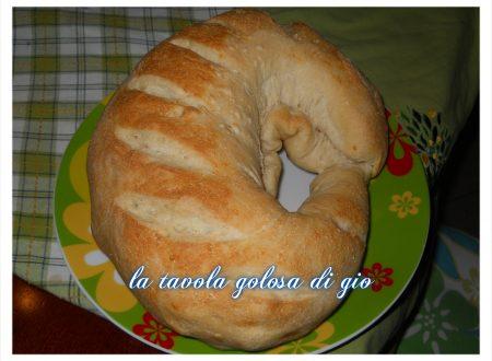 corona di pane farcita rustica