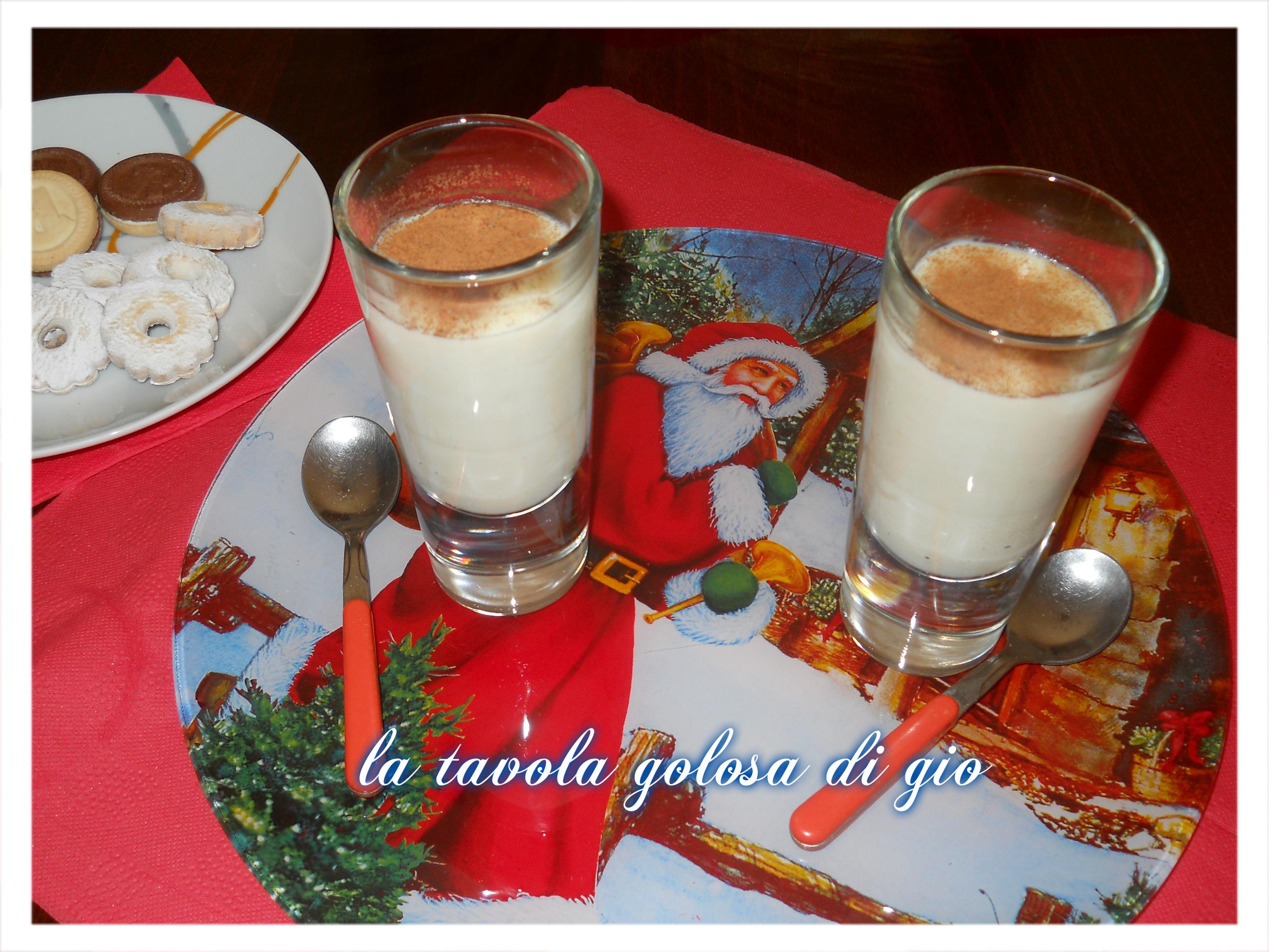 dessert di cioccolata bianca alla cannella