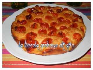 Torta allo Yogurt con Pomodorini Salata