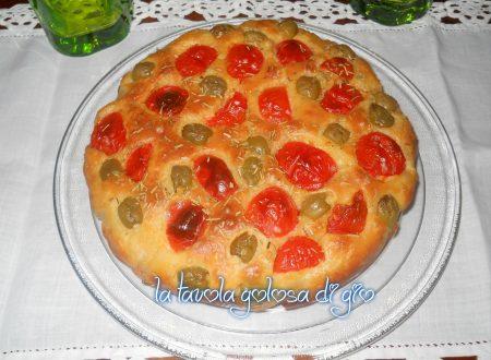 Focaccella con pomodorini in pastella