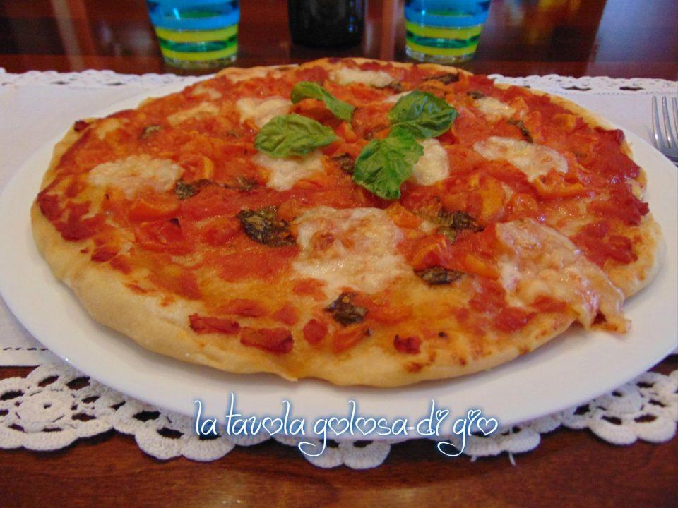 Pizza Estiva con Pomodoro Fresco