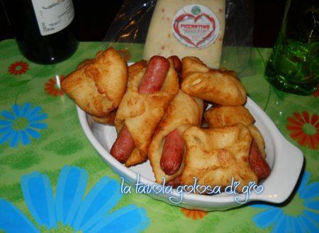 Cannoli di patate con formaggio piccante