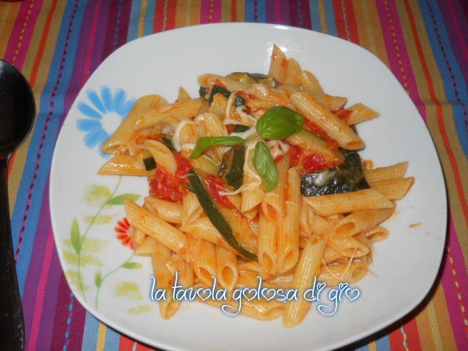 Pasta con Zucchine e Pomodoro Fresco