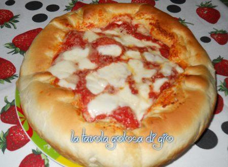 Pizza con cornicione di ricotta favolosa