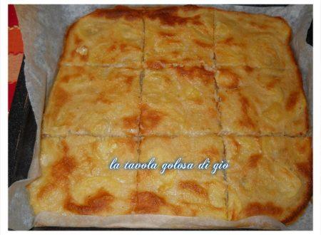 Pizza di patate senza lievitazione facile da preparare