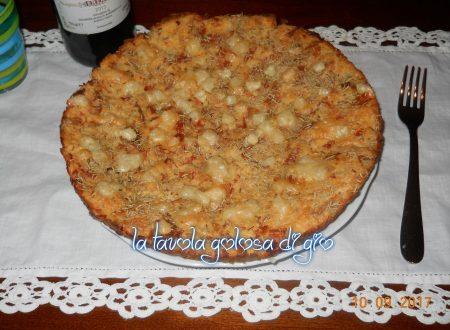 Torta di pane salata con mortadella