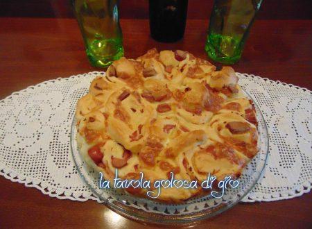 Torta salata con ingredienti a piacere