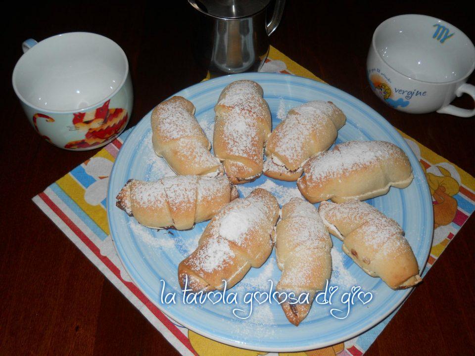 Cornetti con Pasta Frolla allo Yogurt Ripieni