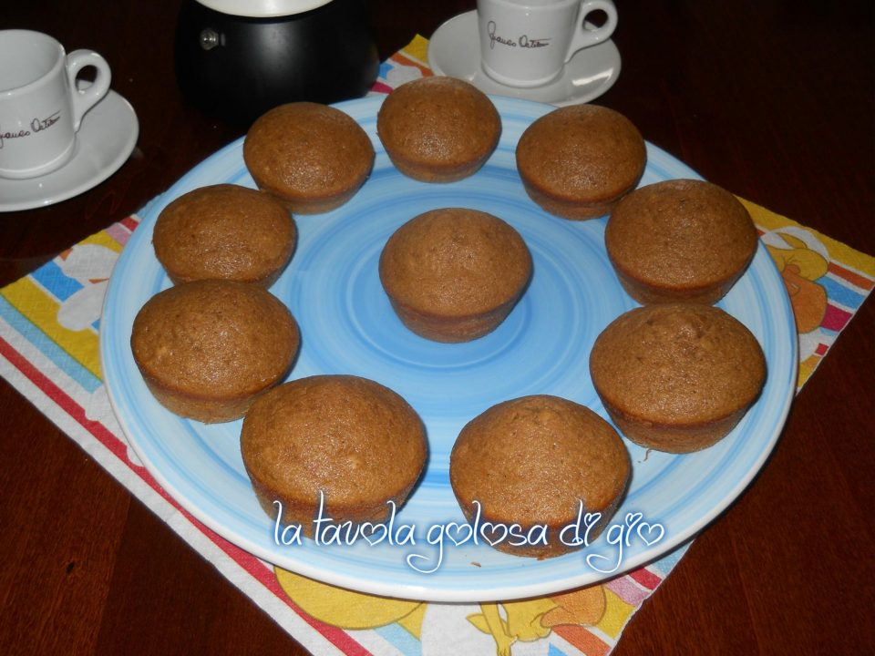 Muffins di caffè delicati con poco burro