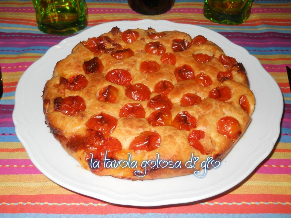 Torta Sofficissima allo Yogurt con Pomodorini