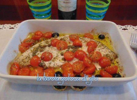 Pesce spada con olive e capperi al forno