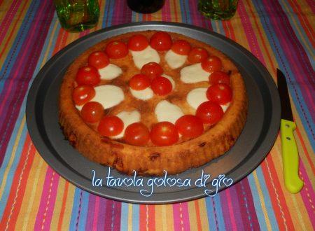 Torta rustica con parmigiano e pomodorini