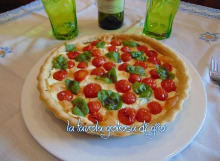 Torta rustica senza burro con pomodorini