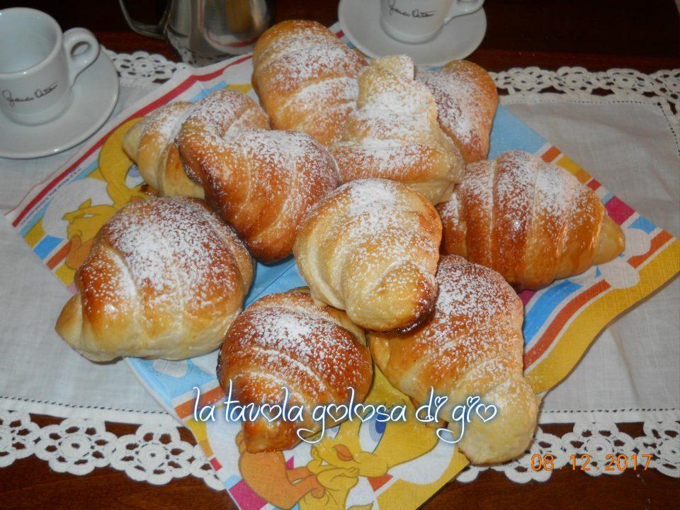 Cornetti Soffici alla Vaniglia