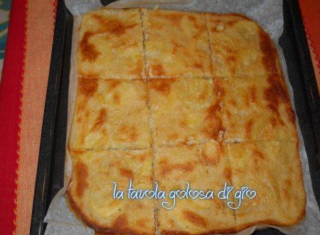 Pizza di patate senza lievito in pastella