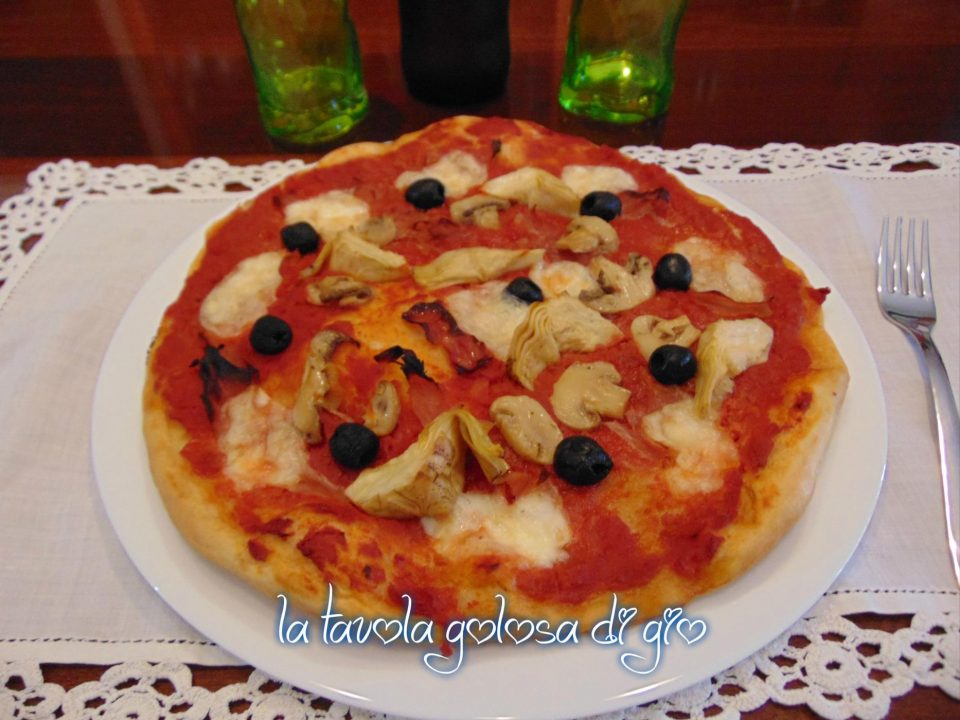 Pizza capricciosa con carciofi