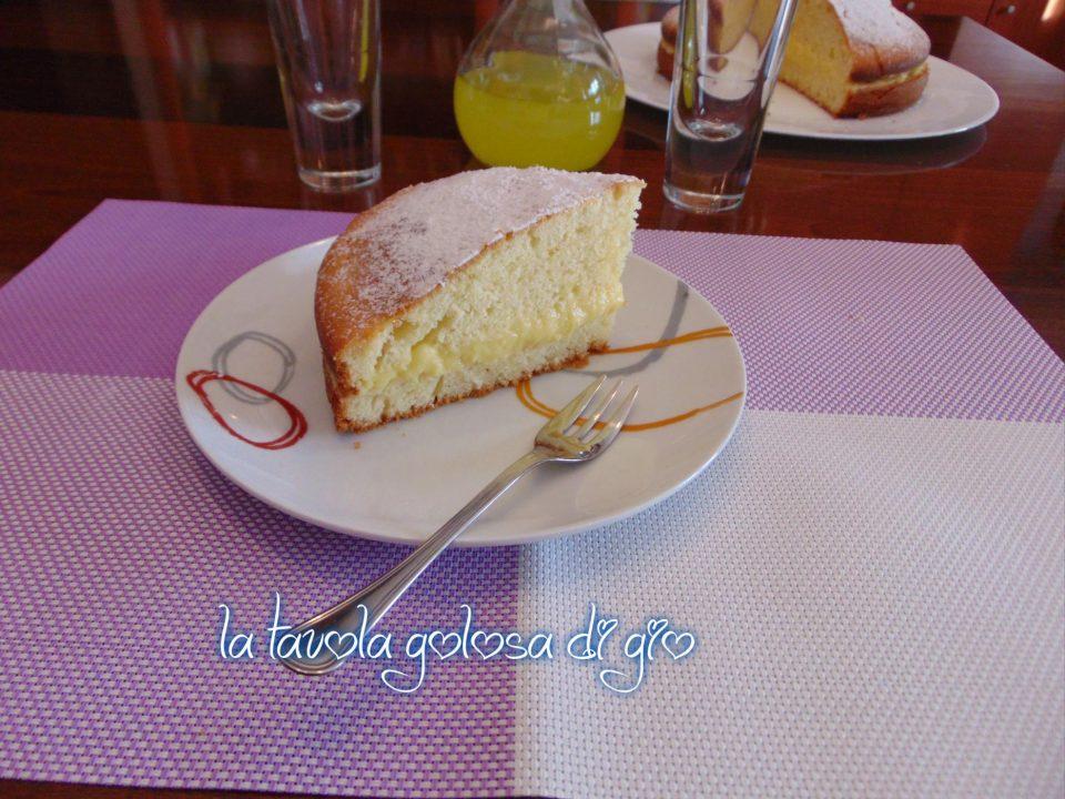Torta allo Yogurt con Crema Pasticcera