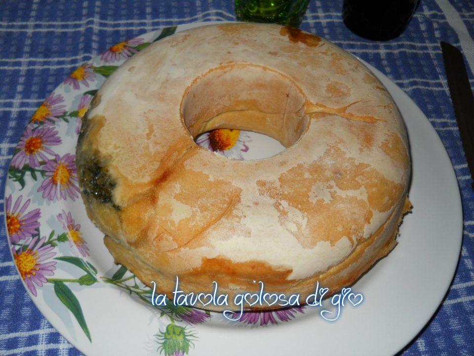 Torta rustica napoletana con scarole