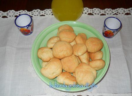 Biscotti morbidi al limoncello deliziosi
