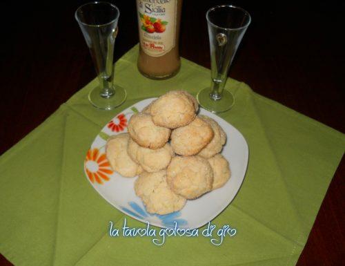 Biscotti morbidi alle mandorle e arancia