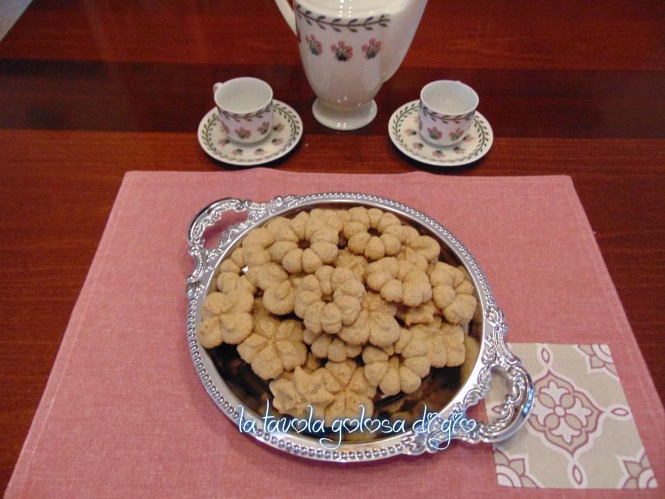 Biscotti integrali con la sparabiscotti