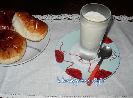 Crema al latte e mascarpone golosa