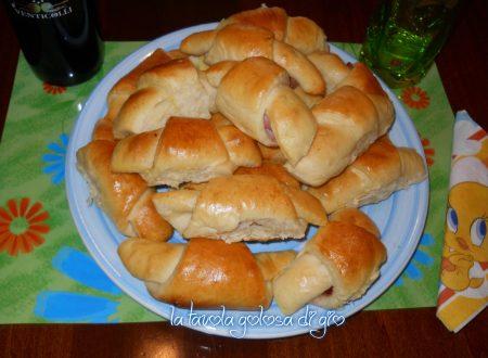Croissant morbidi farciti al forno