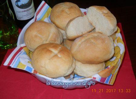 Panini mascarpone e parmigiano morbidi