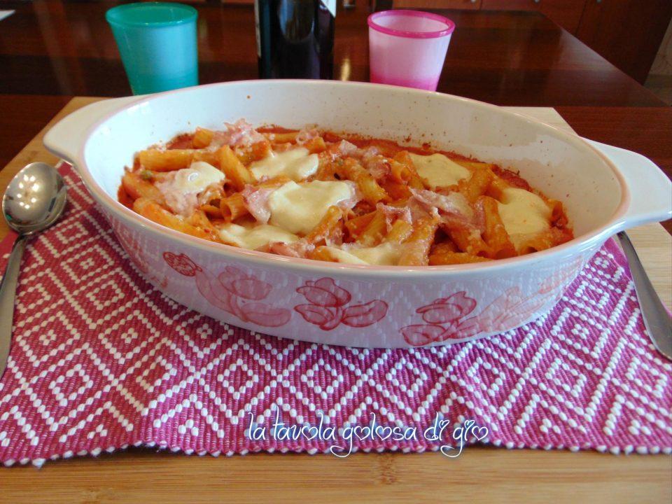 Pasta al Forno con Prosciutto e Mozzarella