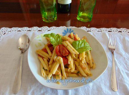 Pasta al pesto con pomodorini leggera