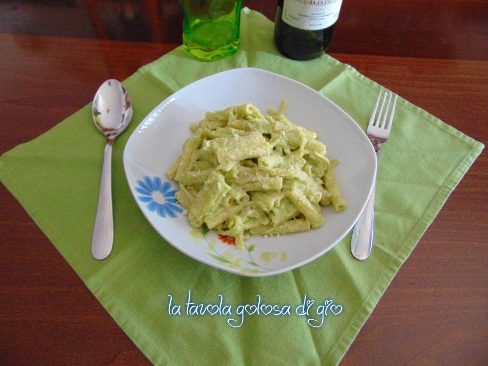 Pasta alla crema di zucchine e panna