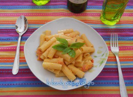 Pasta light con philadelphia e pomodoro