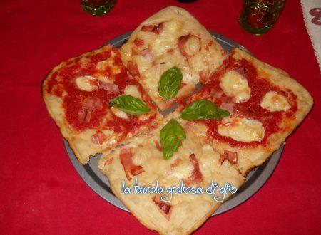 Pizza soffice senza impasto super veloce